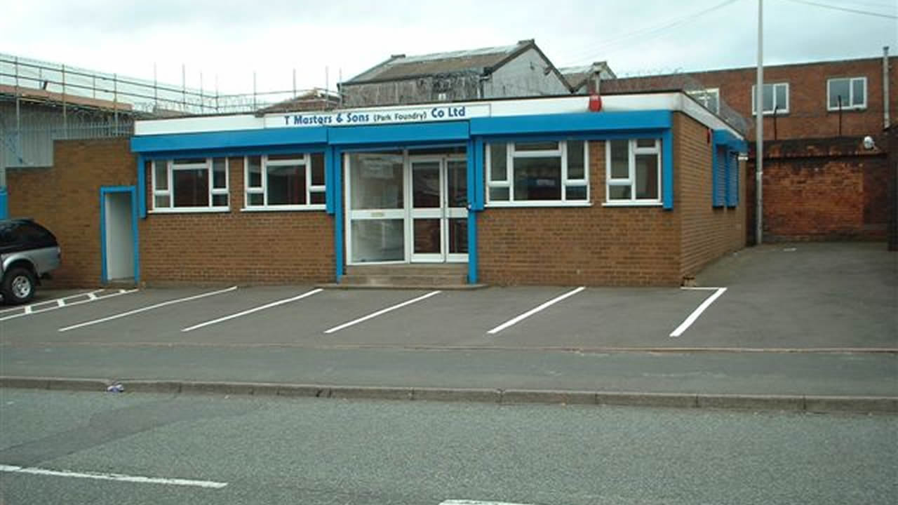 West Bromwich Offices and Unit, Commercial Property in Sams Lane, West Bromwich West Midlands
